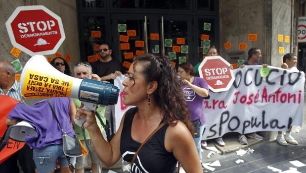 Protesta de la PAH contra las hipotecas multidivisa