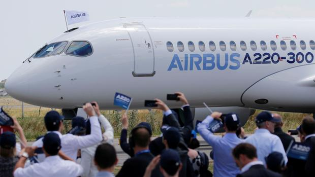 Uno de los aviones A220-300 de Airbus