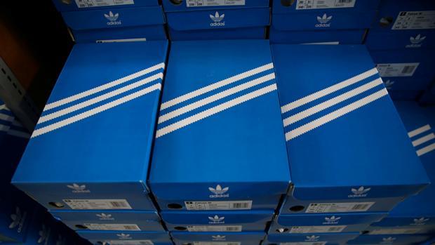 Cajas de zapatillas Adidas
