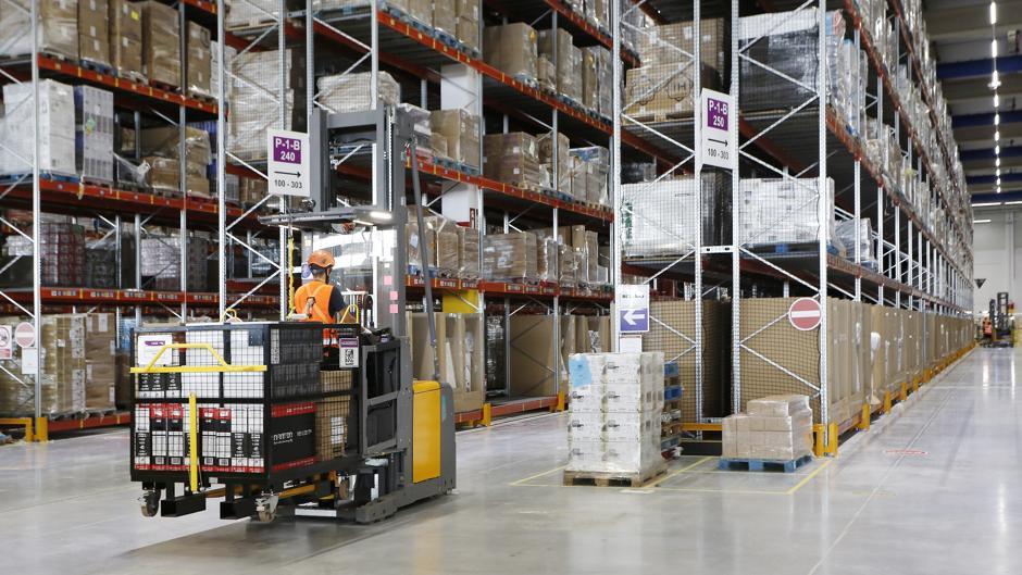 b00810e9a Así se prepara un pedido dentro del centro logístico de Amazon con más  metros cuadrados de España
