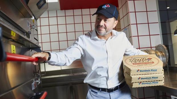 Paco Paez empezó como pizzero hace 27 años en Domino's Pizza