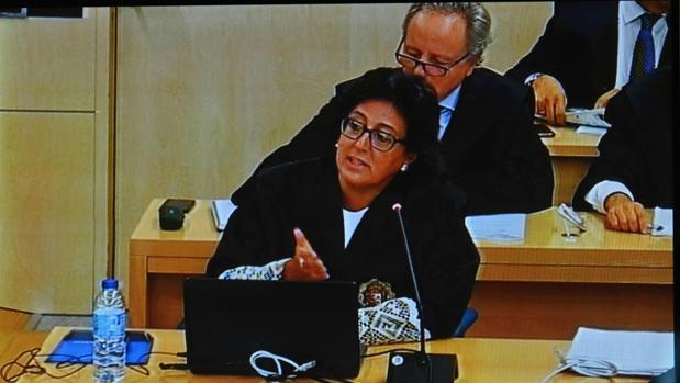 La fiscal anticorrupción Carmen Launa durante su exposición