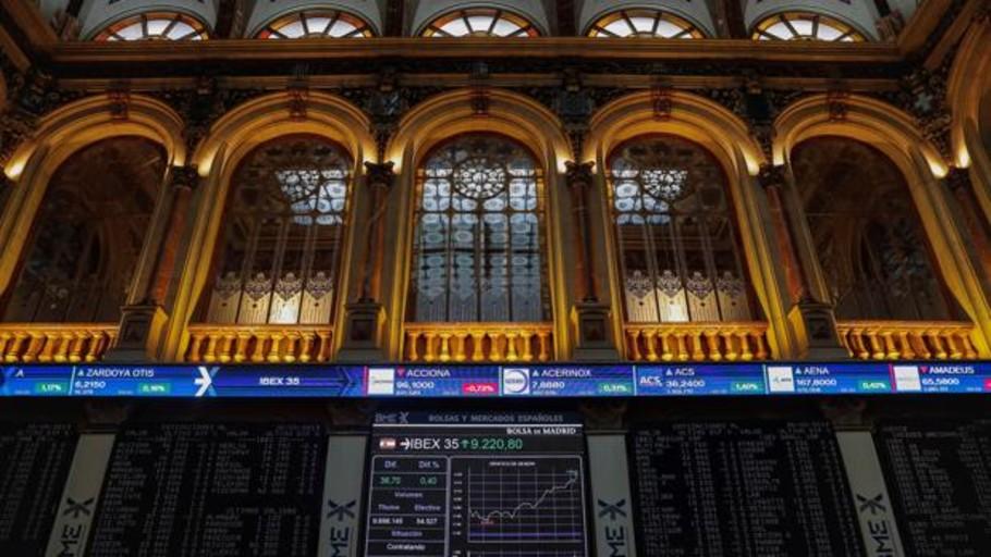 La Bolsa se contagia del pesimismo de los mercados y vuelve a cerrar con pérdidas