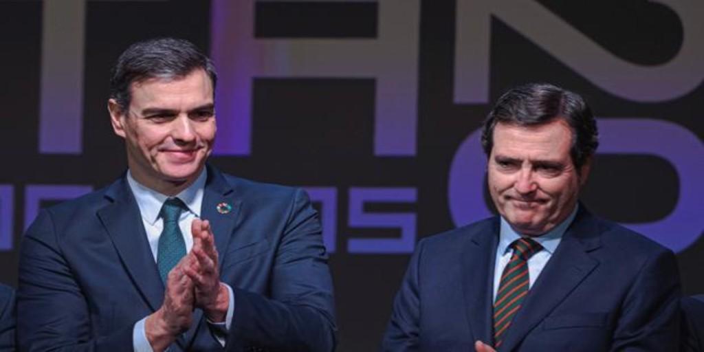 Moncloa no informó a CEOE de los nuevos límites a la actividad hasta minutos antes del discurso de Sánchez