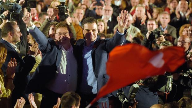 Ximo Puig y Pedro Sánchez en el acto final de campaña