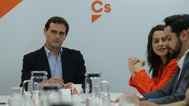 Rivera, Arrimadas y De Páramo, ayer en la sede de Cs durante la reunión de su Ejecutiva