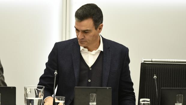 El PSOE rechaza la gran coalición con el PP, pero no un Gobierno con Podemos