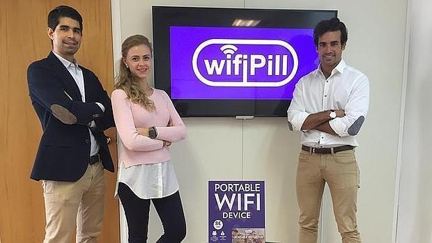 Los fundadores de WiFiPill: Holger Kirgis, Jana Fedotovskaya y Marc Alegría