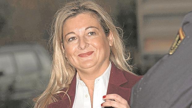 Virginia López, este jueves a su llegada al tribunal que juzga el caso Nóos