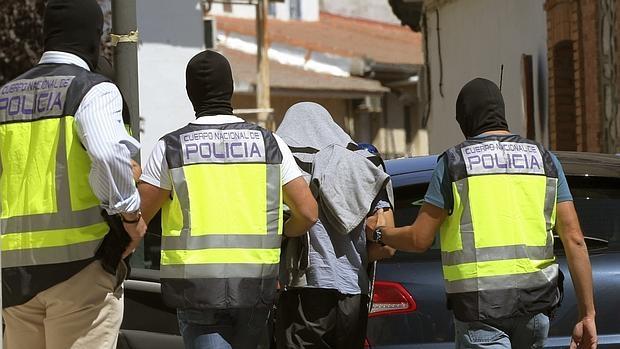 Detención de un individuo vinculado a una red terrorista en agosto de 2015
