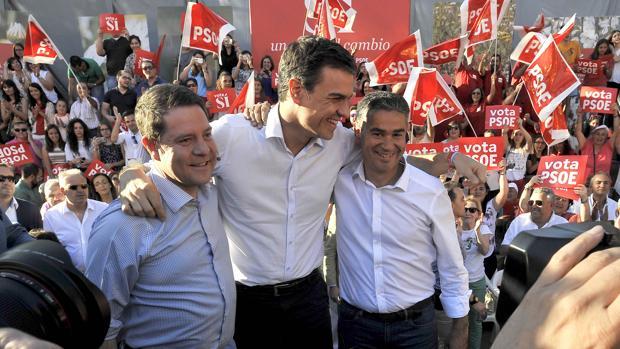 Emiliano García-Page, Pedro Sánchez y Manuel González, candidato al Congreso