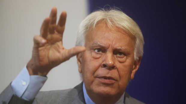 El expresidente Felipe González, en una conferencia este viernes en Santiago de Chile