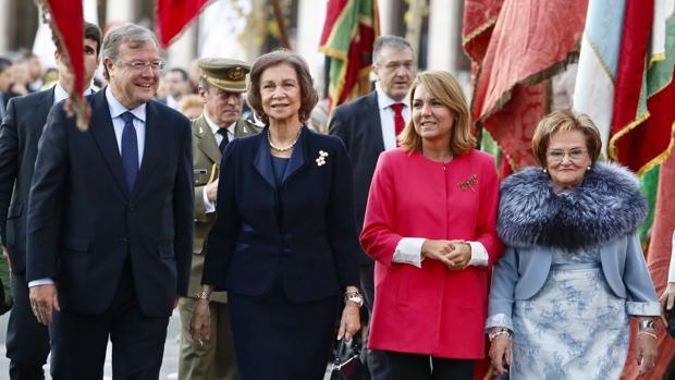La Reina Sofía asistió este viernes a la entrega de premios internacionales «Mano Amiga» en León