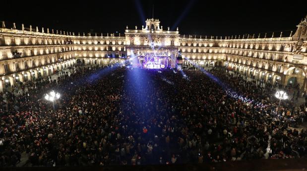 La Plaza Mayor de Salamanca durante la celebración de la Nochevieja Universitaria en una imagen de archivo