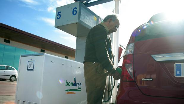 La gasolina será más cara en el año que hoy empieza
