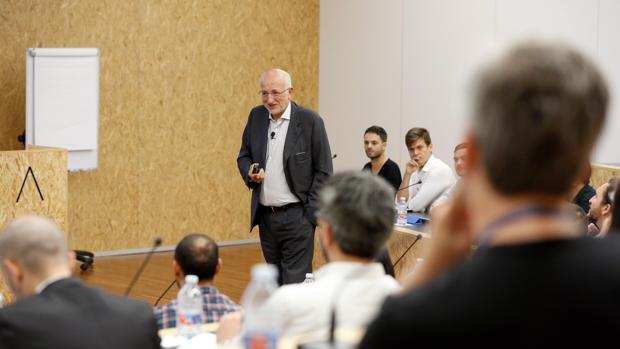 Imagen de Juan Roig en una sesión con emprendedores