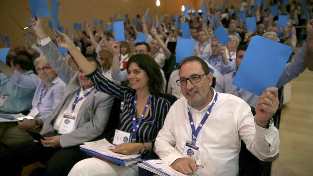 El secretario general de UDC, Ramon Espadaler, durante una de las votaciones del congreso del partido