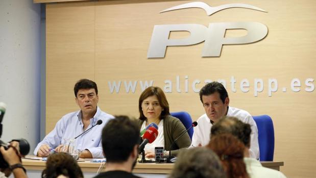Bonig y Císcar, con el portavoz municipal del PP en Alicante, Luis Barcala
