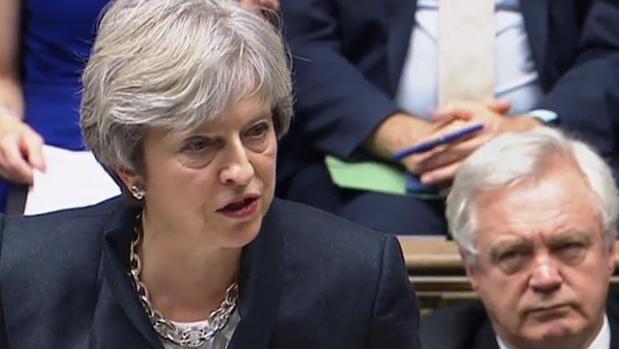 Theresa May en la sesión de este lunes