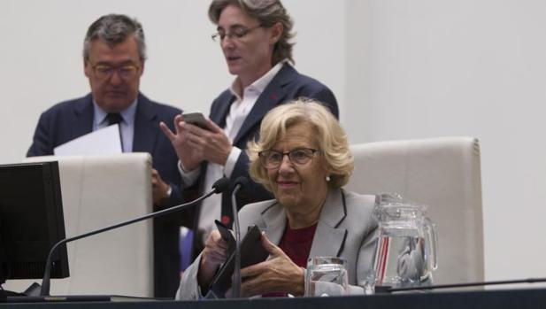 La alcaldesa de Madrid, Manuela Carmena, en un momento del Pleno