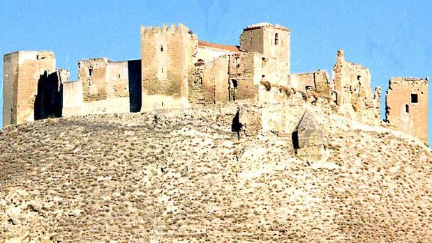 El castillo se reconvirtió, pocos años después de su construcción, en poderosa abadía