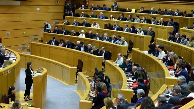 Sáenz de Santamaría, frente al Senado por la aplicación del artículo 155