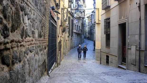 La calle de Alfileritos, este lunes, desde la plaza de san Nicolás