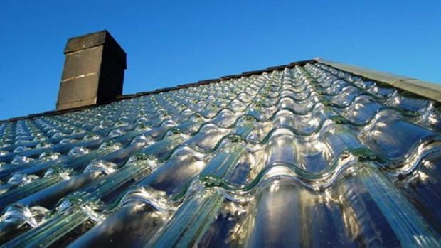 Tejas fabricadas con paneles solares