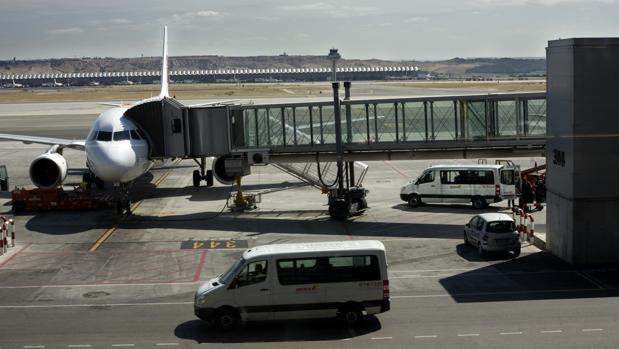 El operario fallecido estaba trabajando en el aeropuerto a través de una ETT