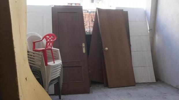 Imagen de archivo de un piso okupado en Madrid