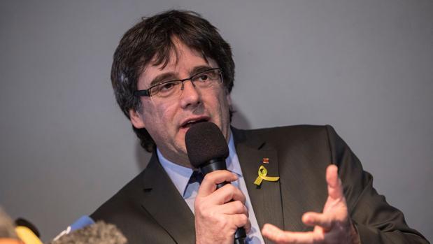 Puigdemont, durante una rueda de prensa en Alemania