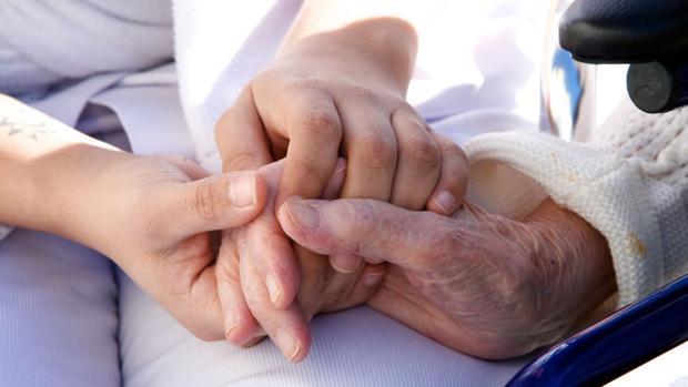 Каковы главные симптомы рака гортани? Как его эффективно лечить?