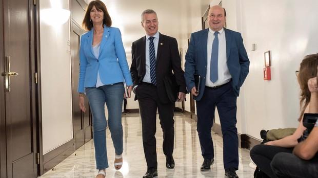 Idoia endia, Iñigo Urkullu y Andoni Ortuzar se dirigen a la reunión