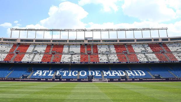 Las gradas del Calderón, ayer, sin varias de las banquetas