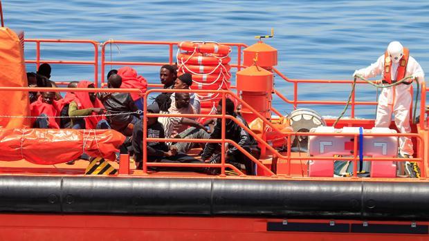 19 inmigrantes que viajaban a bordo de dos pateras rescatados el pasado 31 de julio en aguas del Estrecho