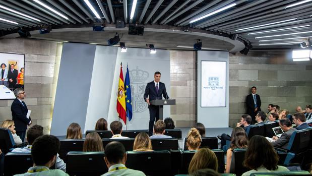 Pedro Sánchez, ayer, en la rueda de prensa que ofreció en La Moncloa
