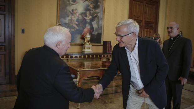 Imagen de la reunión mantenida por Joan Ribó y Antonio Cañizares