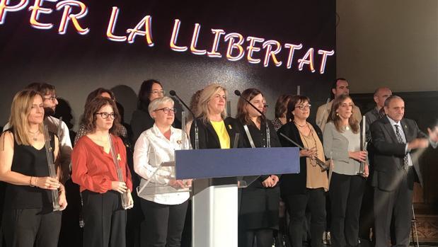 Entrega de premios a los familiares de los líderes independentistas presos