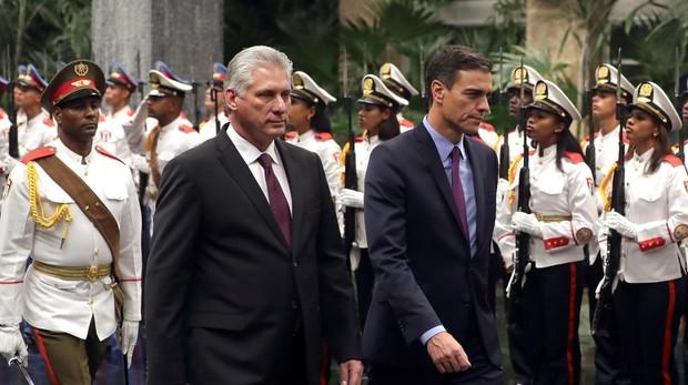 Pedro Sánchez, y el el presidente cubano, Miguel Díaz-Canel