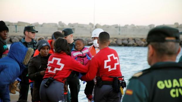 Uno de los rescates de pateras llegadas a Chafarinas esta semana