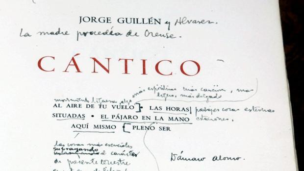 Ejemplar de la edición de «Cántico» de 1936 con anotaciones de Dámaso Alonso, conservado en la Real Academia Española