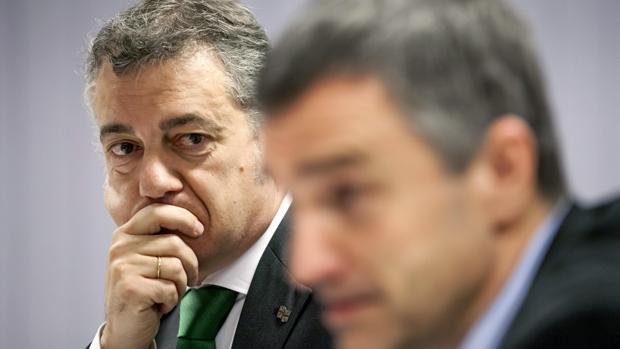Iñigo Urkullu, junto a Jonan Fernández