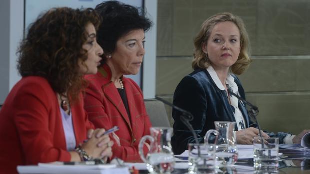 Montero, Celaá y Calviño, en la rueda de prensa del Consejo de Ministros