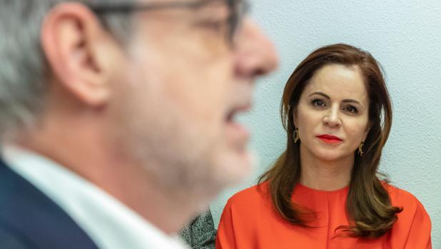 El secretario general de Ciudadanos, José Manuel Villegas, acompañado por Silvia Clemente