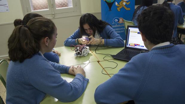Estudiantes de Secundaria en un centro escolar concertado madrileño