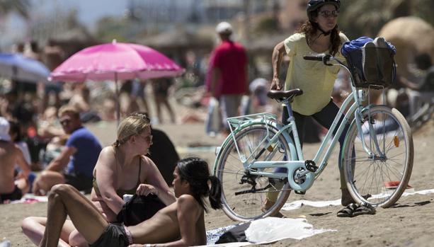 Jornada de reflexión ayer en la playa de la Málagueta,