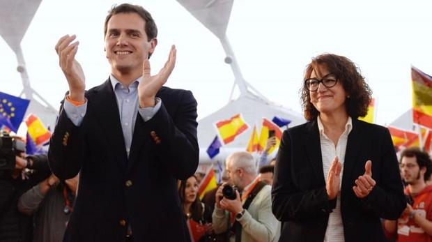 Albert Rivera y la candidata al Parlamento Europa, Soraya Rodríguez, en un acto de campaña en Valladolid