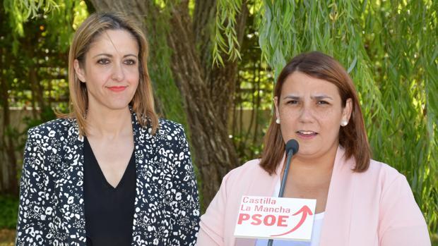 Cristina Maestre, portavoz del PSOE en Castilla-La Mancha, y Agustina García Élez, que será la próxima alcaldesa de Talavera de la Reina
