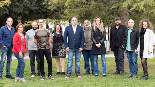 Gabriel Tomás con el resto de la candidatura de Esquerra Unida en Muro de Alcoy