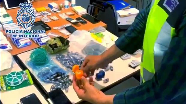 Material incautado por la Policía Nacional en el operativo en el que se ha desmantelado a la organización